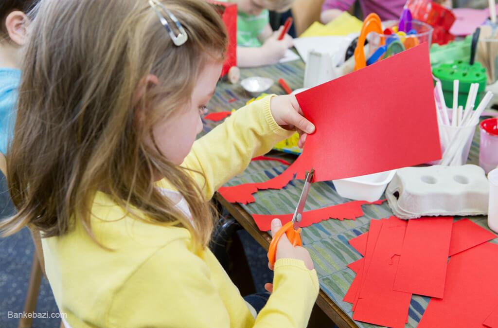 فعالیت هنری کودک چهار ساله