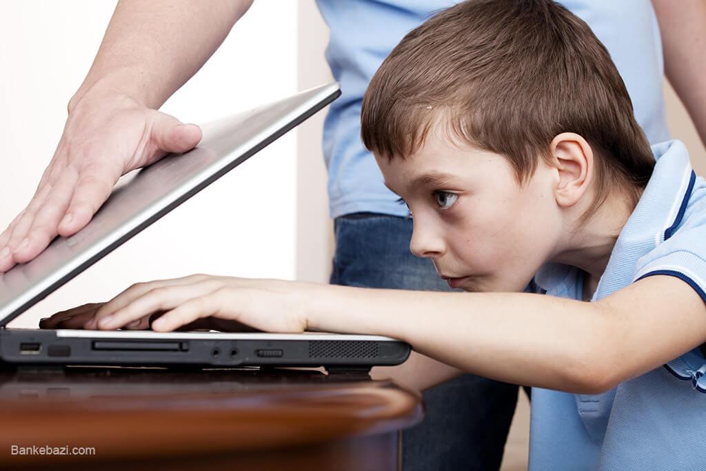 استفاده کودکان از وسایل الکترونیکی