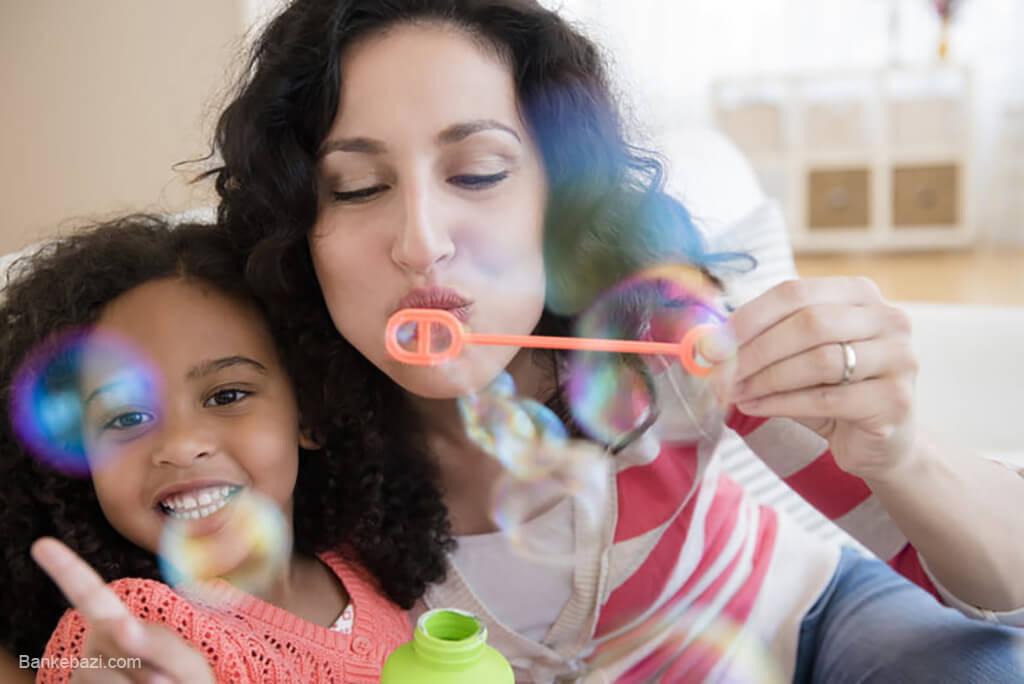 بازی با کودکان درون خانه