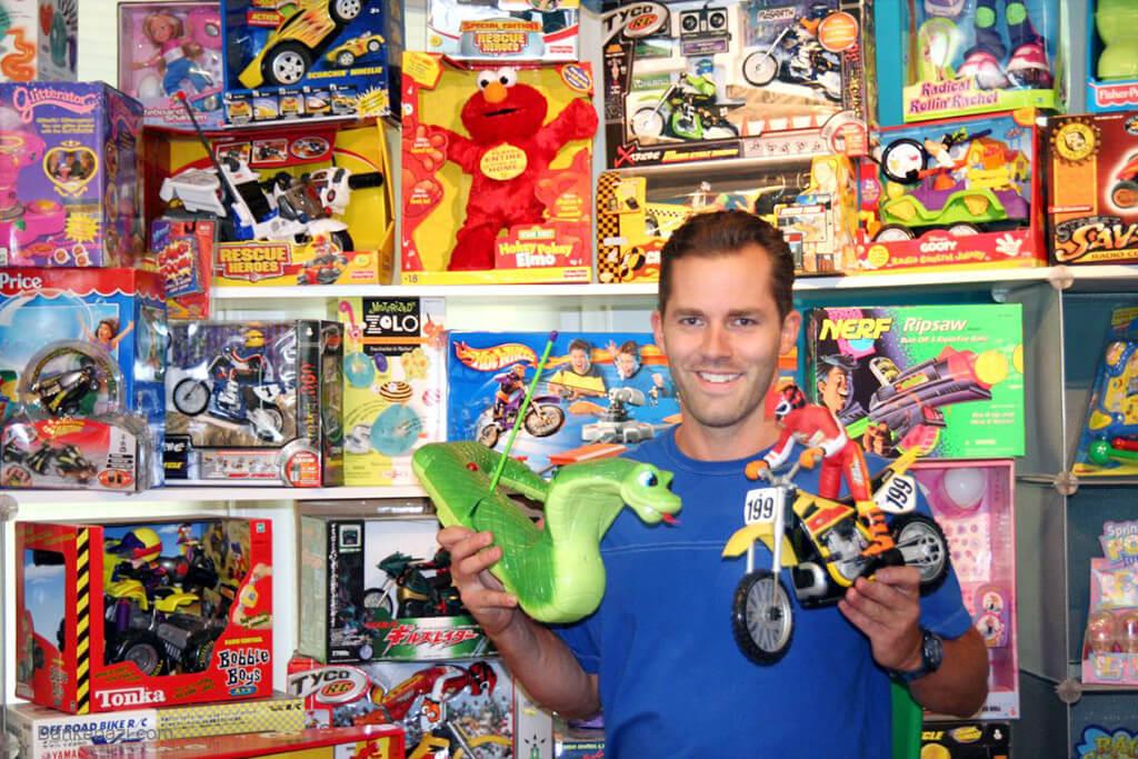 حقوق تولید کننده اسباب بازی اورجینال در مقابل کپی