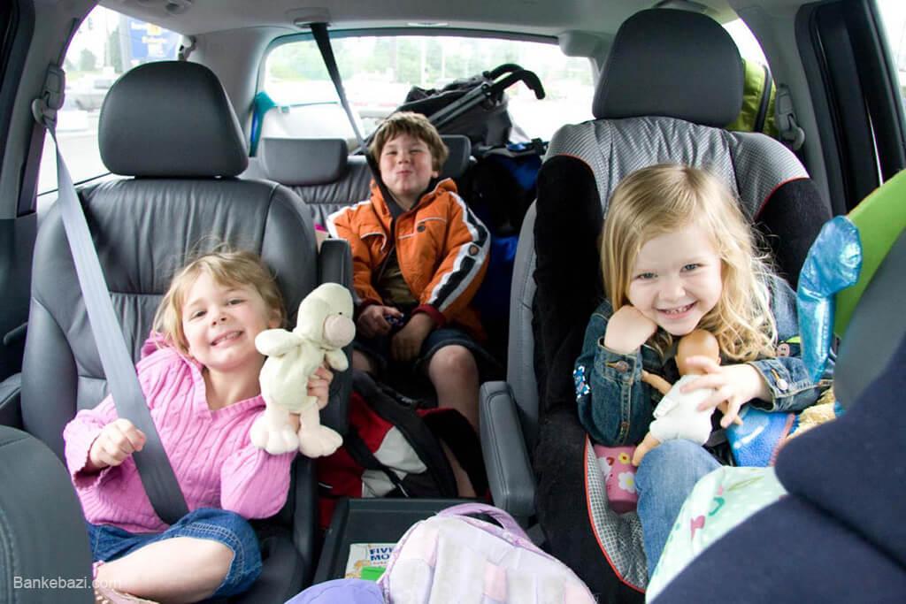 بازی با کودکان در مسیر سفر