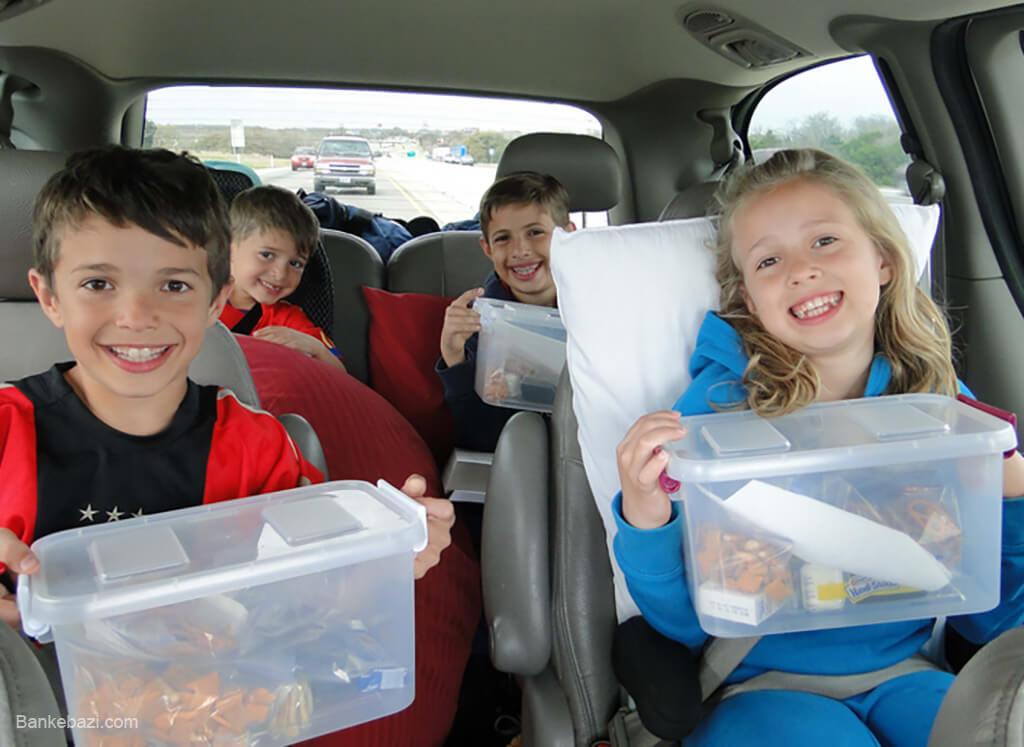 سرگرم کردن بچه ها در خودرو