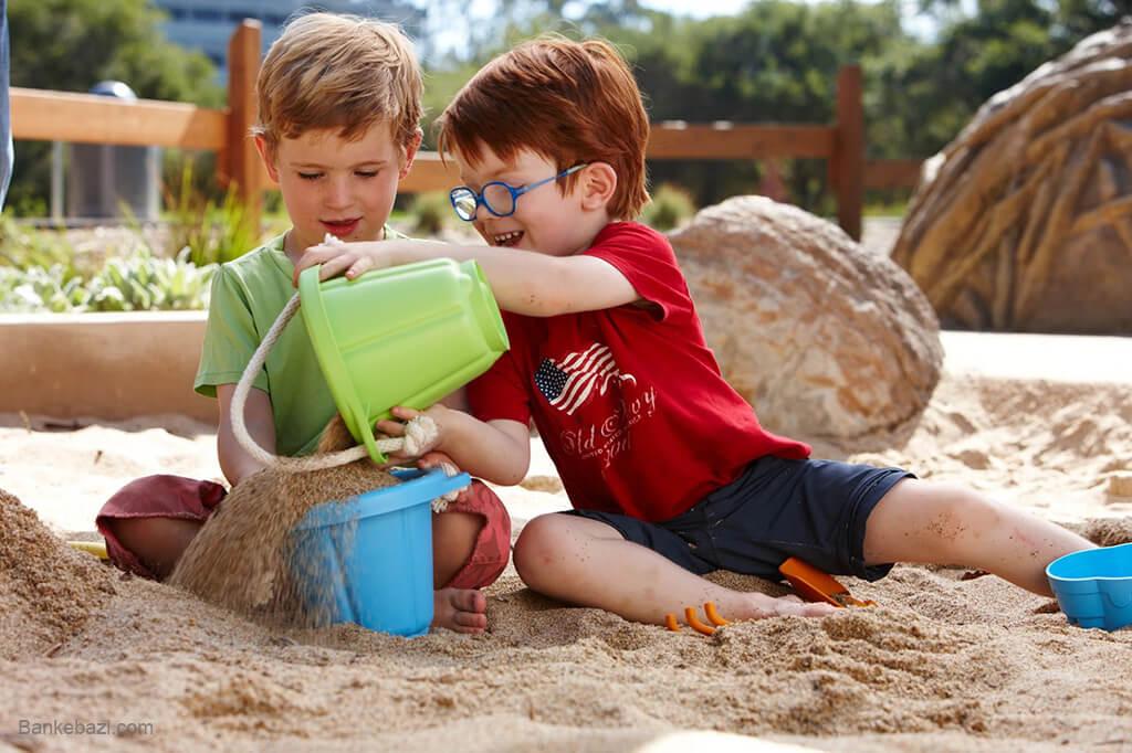 استفاده از شن بازی برای تقویت مهارت دست ورزی در کودکان